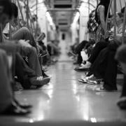 Gefährliches Hineinquetschen in U-Bahn