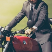 Kein Mitverschulden wegen Nichttragens von Motorradschutzkleidung